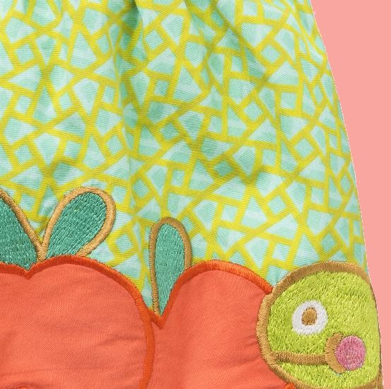 Kindermode Oilily Sommer 2018 Oilily Rock Senna Apple und Raupe green #001